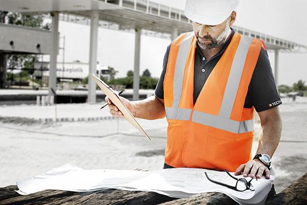 Wylewanie posadzki betonowej – pierwsza pomoc