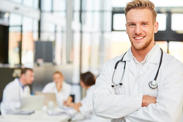 Gdzie szukać dobrych szkoleń medycznych?