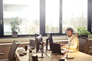 Jak chatbot może pomóc w sprzedaży?