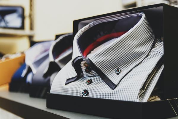 Jakie koszule męskie zakładać do pracy?